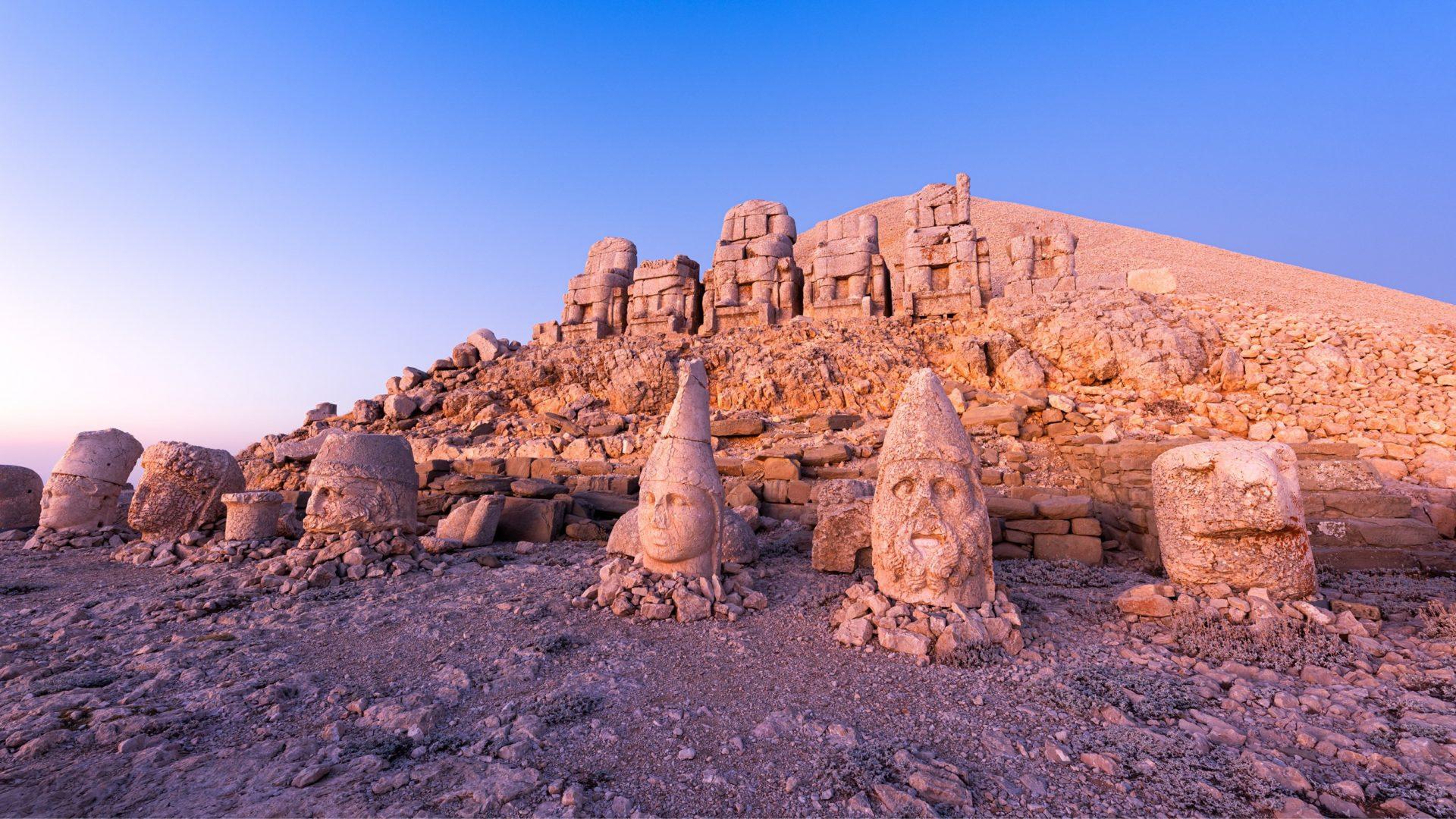 ESTE TURQUIA Mount Nemrut
